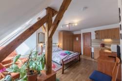 Pokoj č. 4 - jednolůžkový pokoj s kuchyňským koutem