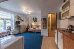 Pokoj č.6 - dvoulůžkový pokoj s kuchyňským koutem